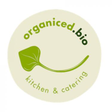 organiced kitchen bio catering